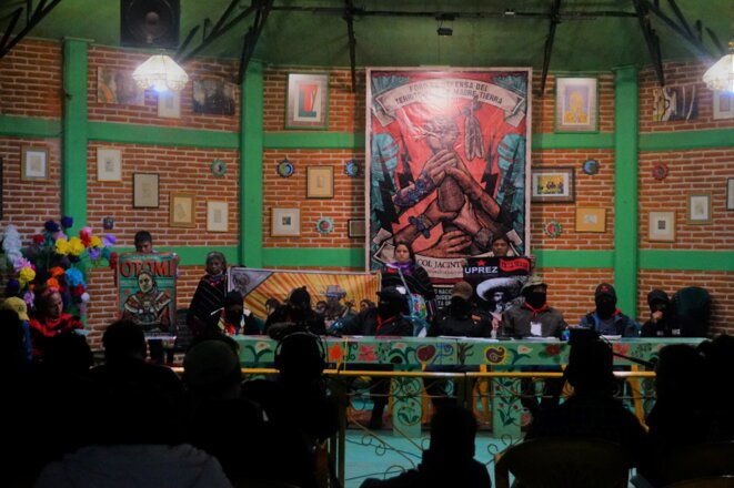 Représentants otomis et commanderie de l'EZLN, Caracol Jacinto Canek, Chiapas, Mexique © Simon Marseille