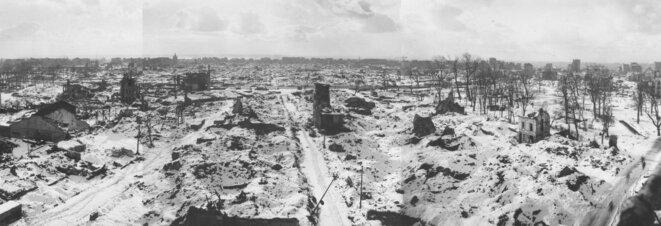 Le Havre après les bombardements de 1944 © @wikicommons