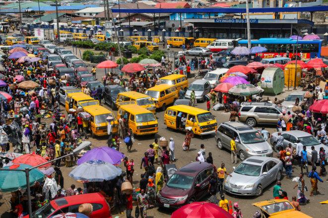 Un marche de Lagos au Nigéria le 30 mars 2020 à la veille du confinement décrété par les autorités