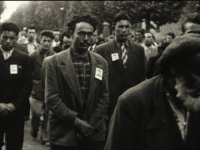 Obsèques de Hocine Belaïd, 1952 © Ciné-Archives, fonds audiovisuel du PCF et du mouvement ouvrier