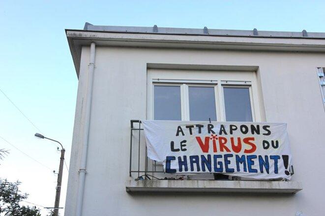 À Rennes, sur la page Facebook Cortège de fenêtres.