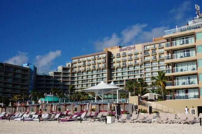 Hard Rock Hotel sur la Zona Hotelera, Cancún, Quintana Roo © Simon Marseille