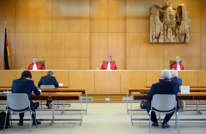 La Cour de Karlsruhe rendant son jugement sur la BCE le 5 mai. © Sebastian Gollnow / POOL / AFP