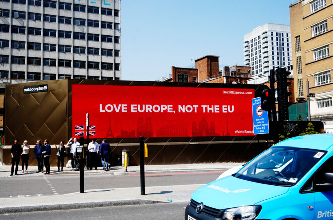 LOVE EUROPE, NOT THE EU. BrexitExpress / British © Sandra von Lucius