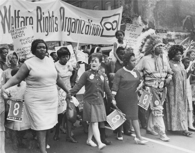 1970 les femmes toujours pacifiques