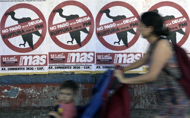 Des affiches contre le FMI à Buenos Aires, le 19 février 2020. © Juan Mabromata/AFP
