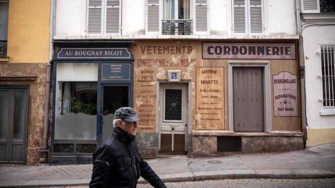 Depuis le 17 mars, deux rues du 18ème arrondissement de Paris sont restées plongées dans le décor d'un film à cause du confinement. © LIONEL BONAVENTURE / AFP