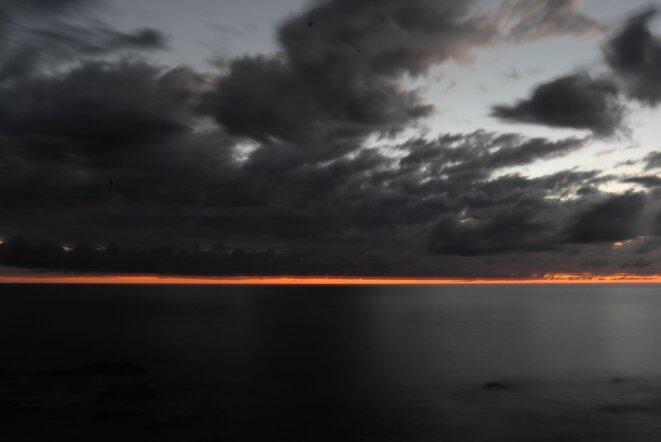 Aurore sur l'Océan Indien, 4 juillet 2015 © daniel gros