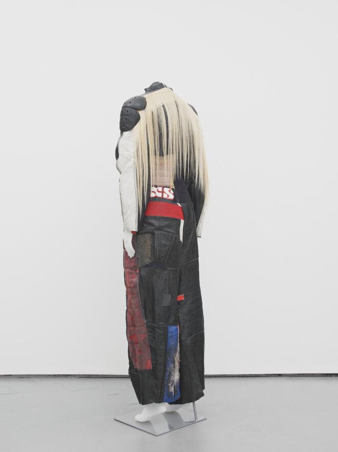Alexandra Bircken, INXS, 2016 Courtesy l'artiste ; Danniel Rangel Collection et Herald St, London. © Photo : Andy Keate.
