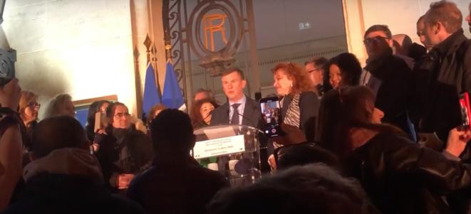 Capture d'écran d'une vidéo tournée lors de l'annonce des résultats du premier tour par Bruno Beschizza, le maire d'Aulnay-sous-Bois. © DR