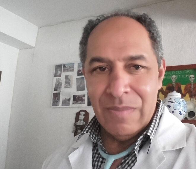 Le docteur Alain Jean-Baptiste dans son cabinet à Vic-en-Bigorre (Photo AJB)