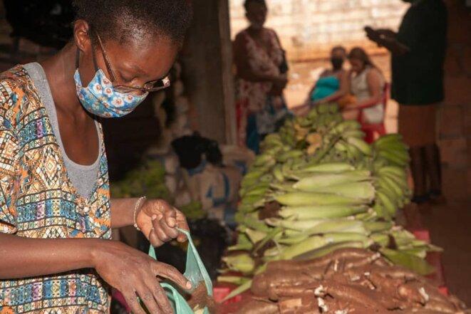 Distribution solidaire de nourriture par le MST au Brésil © MST