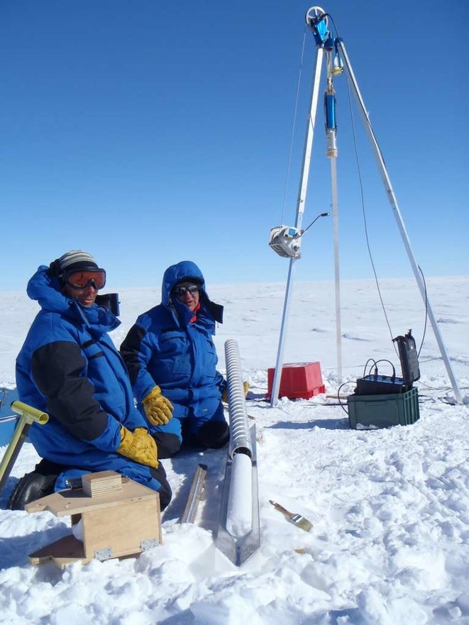 151eece7fb-27528-36546-carottage-raid-antarctique-gregory-teste