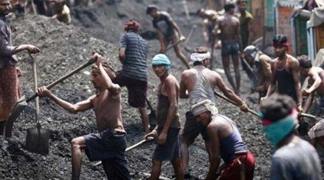 inde-coal-workers-indiatv
