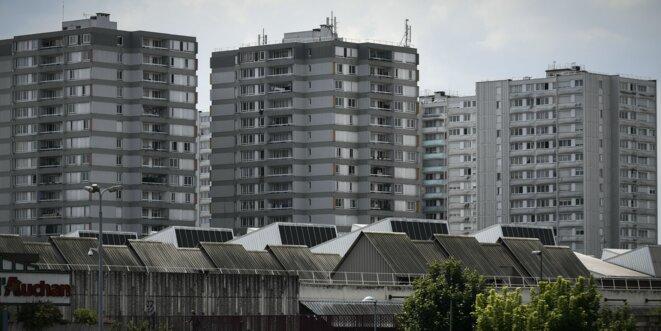 le-confinement-en-banlieue-a-l-epreuve-de-la-violence-et-des-trafics