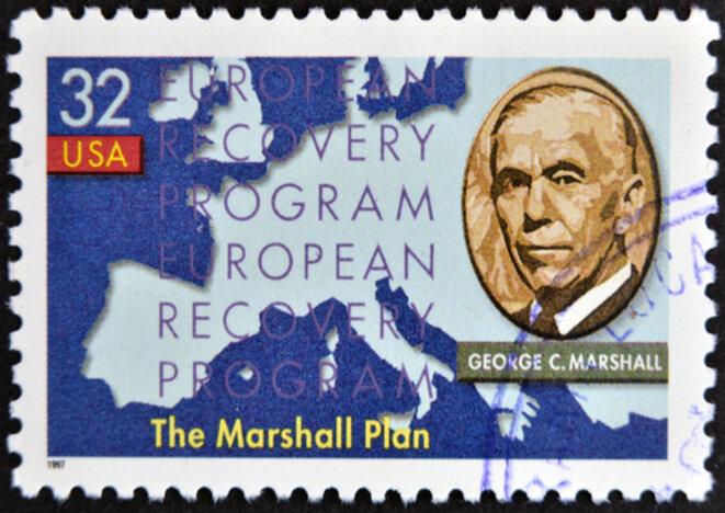 Timbre poste américain à l'effigie de George Marshall