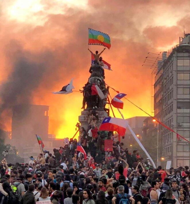 Des dizaines de milliers de manifestants à Santiago (Chili) Novembre 2019