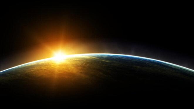 lever-de-soleil-espace-a88bae31763d14c85833b3c7ee5b4c099bce3cb1