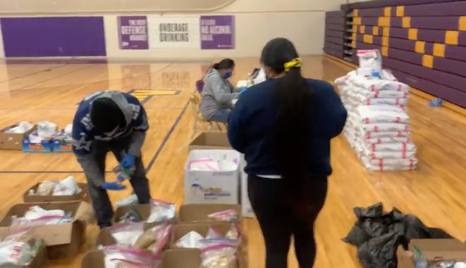 Distribution d'aide aux Navajos. © Capture d'écran/YouTube