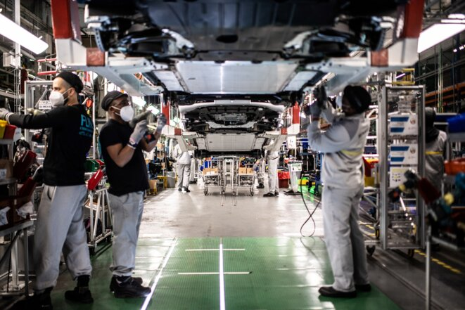 Production de Zoé (Renault) et de Micra (Nissan) à l'usine de Flins. © Martin BUREAU / AFP