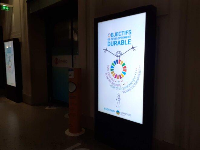 Lundi 1er juin 2020, gare St Lazare (200 panneaux video)