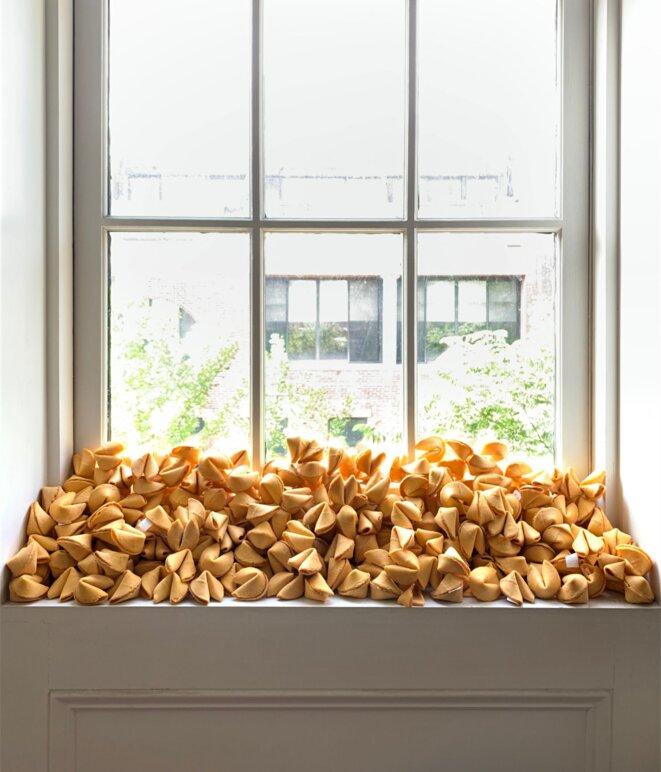 Félix González-Torres, Untitled (Fortune Cookie Corner), 1990 © Flavin Judd - West Village, NY, USA