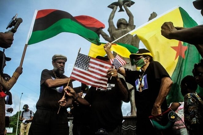 Soutien à George Floyd en Guyane. 03.06. Les Marrons de la Liberté. Rond-Point Adélaïde Tablon. Rémire.Guyane. Crédit Photographie Carter BOSSÉ.