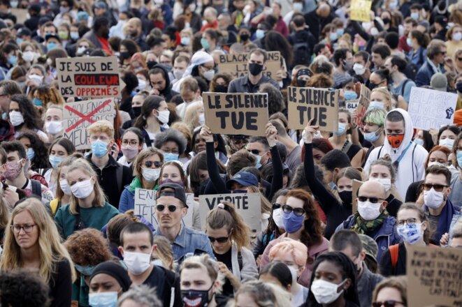Au rassemblement du Champ-de-Mars, à Paris, samedi 6 juin. © Geoffroy van der Hasselt / AFP