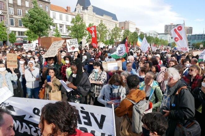 Une foule de plus de 500 personnes © Georges-André Photos