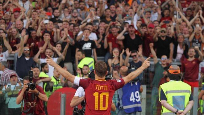 Francesco Totti lors de son dernier match pour la Roma | © AFP