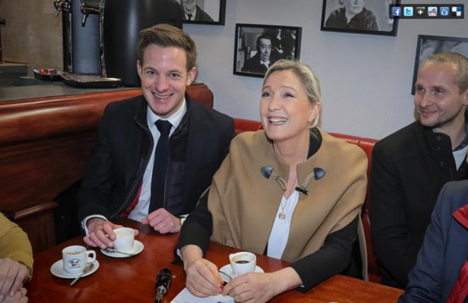 Julien Franquet et Marine Le Pen à Douchy-les-Mines. © Compte Facebook du Rassemblement national