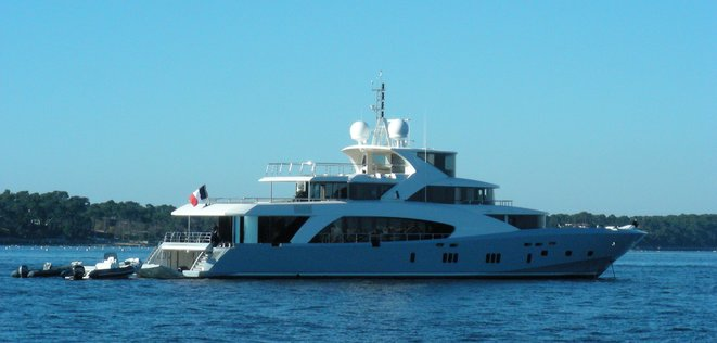 Yacht dans le bassin d'Arcachon [Ph. YF]