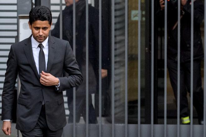 Nasser Al-Khelaïfi à sa sortie des bureaux du MPC, le parquet fédéral suisse, le 25 octobre 2017 à Berne, à la suite de son audition par les procureurs dans l'affaire des avantages accordés à l'ancien numéro 2 de la Fifa Jérôme Valcke. © Fabrice Coffrini / AFP