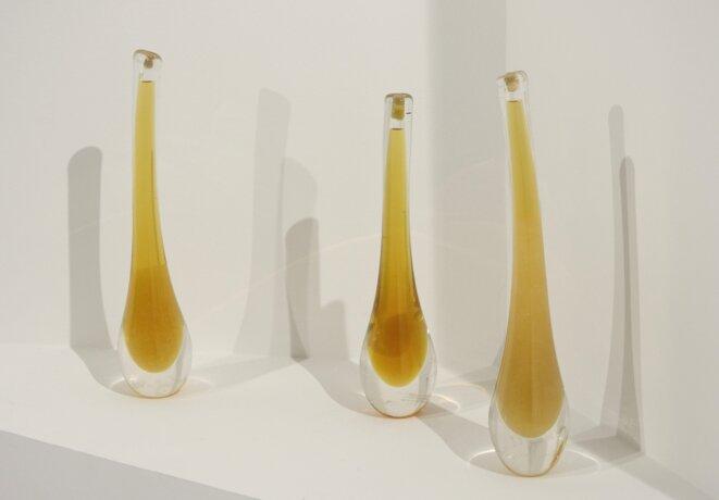 Erik Samakh, édition avec vase de cristal et miel de ses ruches