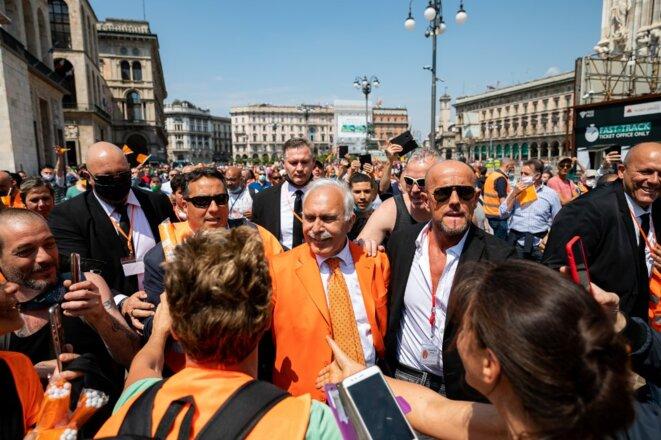Antonio Pappalardo, fondateur du « mouvement des gilets orange », le 30 mai à Milan. © AFP / Alessandro Bremec