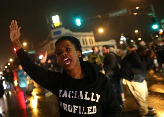 Une manifestation dénonce les violences policières contre les noirs le 23 novembre 2014 à Saint-Louis, Missouri • Justin Sullivan