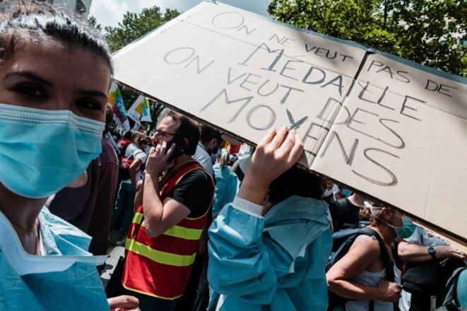 La manifestation des personnels de santé à Paris, le 16 juin. © Karine Pierre / Hans Lucas via AFP