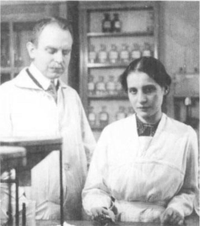 Otto Hahn et Lise Meitner en 1912. Il aura le Nobel, elle non, pour la même découverte.