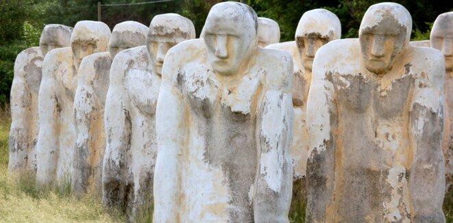 Cap 110, mémorial consacré à l'esclavage sis à l'Anse Caffard, en Martinique, créé par l'artiste martiniquais Laurent Valère. ©Korido via Wikimedia