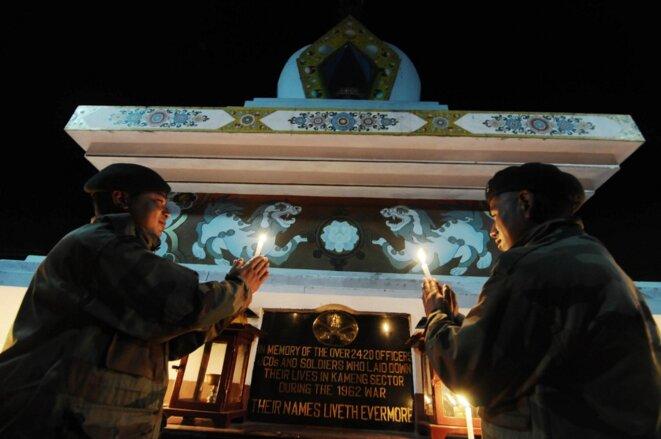 Un mémorial indien dans l'Arunachal Pradesh pour les soldats morts durant la guerre sino-indienne de 1962. © Biju Boro/AFP