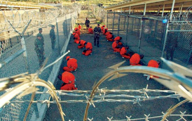 Prisonniers de Guantanamo, janvier 2002.