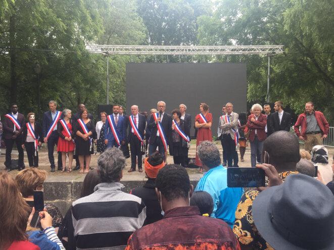 Discours de Bruno Piriou, maire de Corbeil-Essonnes. © Héléna Berkaoui