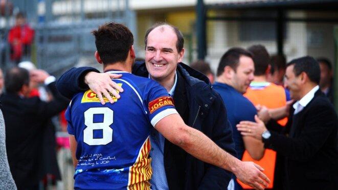Il paraît que le nouveau premier ministre est un homme de terrain. De terrain de rugby, en tout cas.