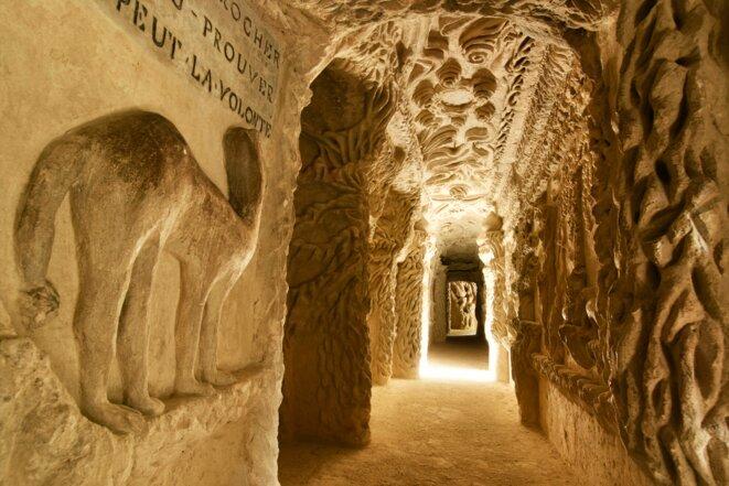 Palais du facteur Cheval, vue de l'intérieur de la grotte © Courtesy Palais idéal du facteur Cheval / Photographe : Frédéric Jouhanin