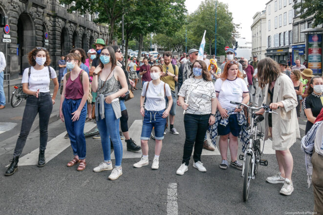 Les étudiantes de l'UNEF ne sont pas en vacances © Georges-André Photos