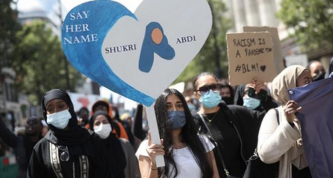 Manifestation à Londres, le 27 juin 2020. © AFP