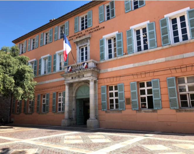 Mairie de Fréjus où David Rachline a été réélu dès le premier tour. © LD