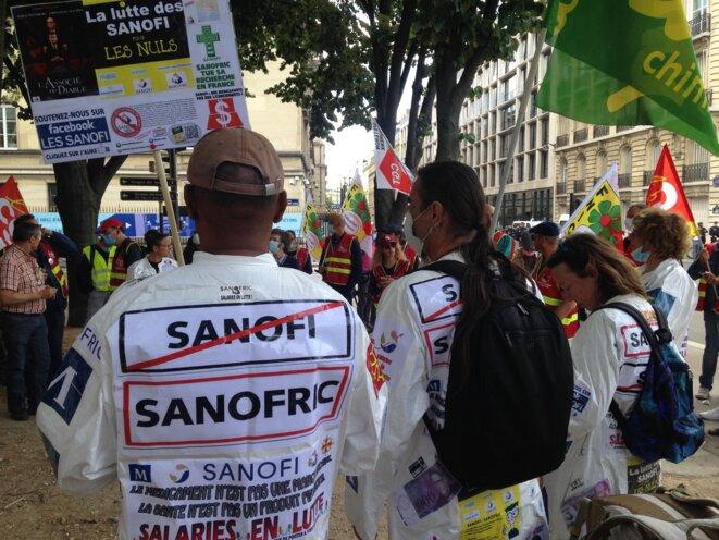 Manifestation à Paris, le 8 juillet 2020, près de l'Assemblée nationale. © RLS