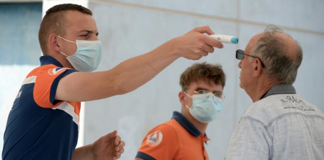 Centre de dépistage temporaire à Laval. © JEAN-FRANCOIS MONIER / AFP