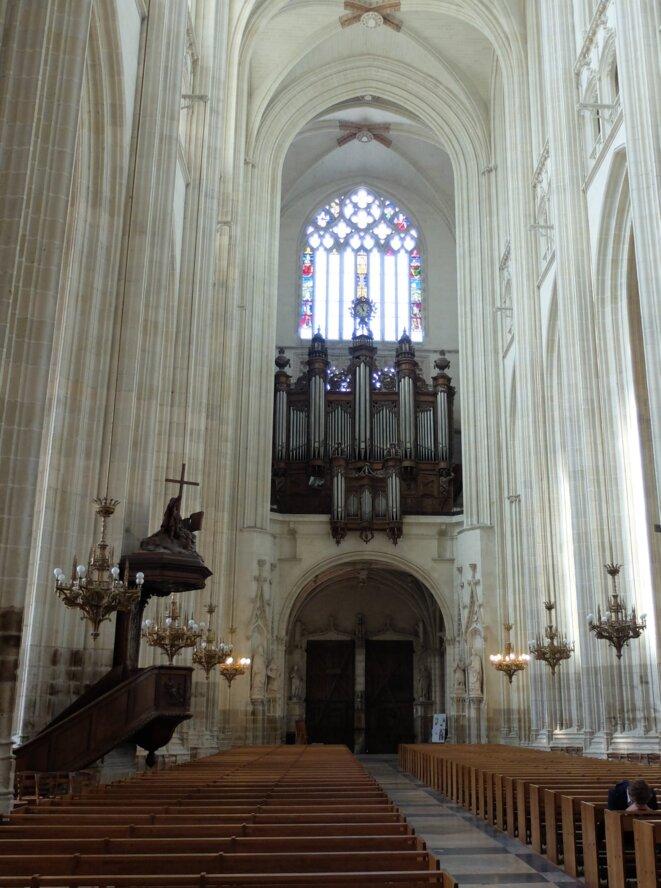 Orgue de la cathédrale Saint-Pierre-et-Saint-Paul de Nantes [Photo YF, août 2017]
